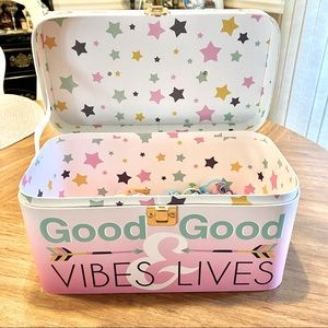 NEW- Good Vibes & Good Lives makeup carry case